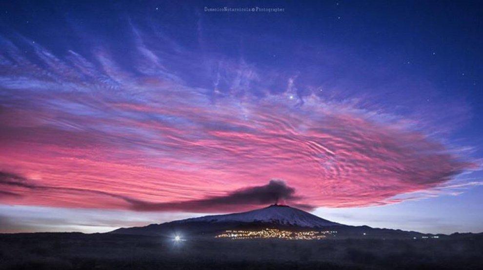 Etna, spettacolare fontana di lava: cenere su Messina e Reggio Calabria