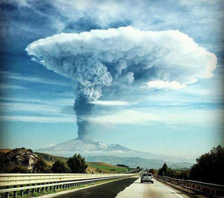 Etna,da 570.000 mila anni compagna di vita - Pagina 4 095155273-cb03b07a-1c6e-4f01-a636-aac8bd2a142e