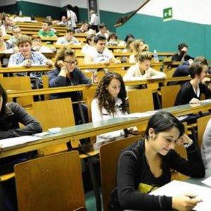 Via un terzo degli studenti e 50 mila laureati, l'esodo di massa dalle università siciliane