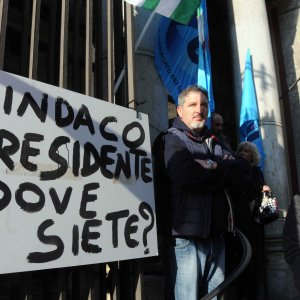 """""""Politica assente"""", la rabbia dei lavoratori del Biondo"""