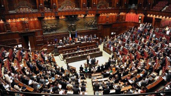 Proroga dei precari siciliani i 5 stelle si spaccano a for Deputati siciliani