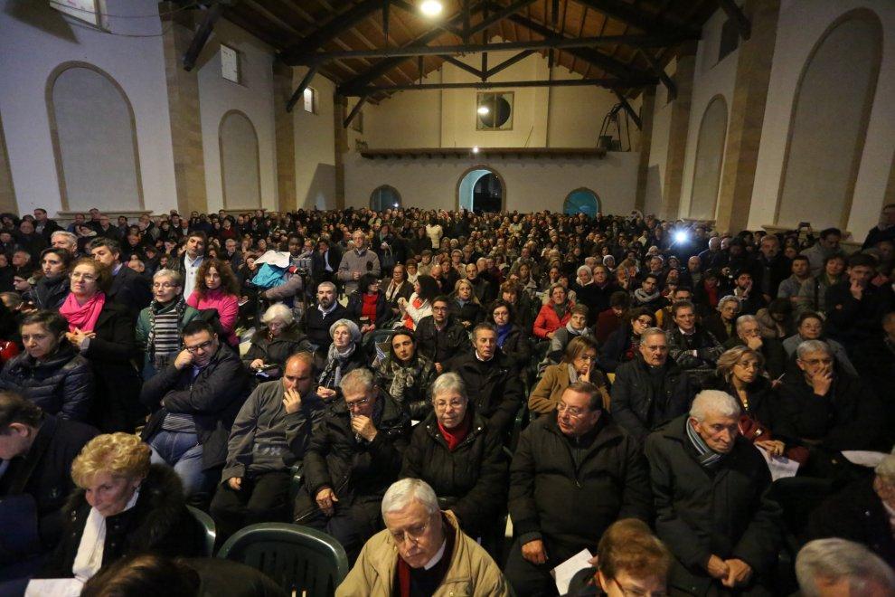 """Lorefice apre la Porta Santa dei poveri da Biagio Conte: """"Questa è la vera Chiesa"""""""