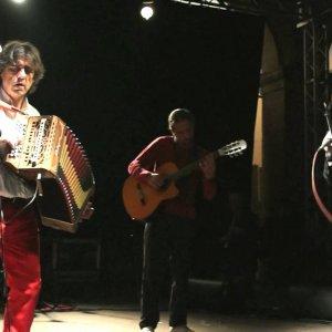 Sparagna e Servillo al Massimo, ballo del Gattopardo a Villa Boscogrande; gli appuntamenti di domenica 27