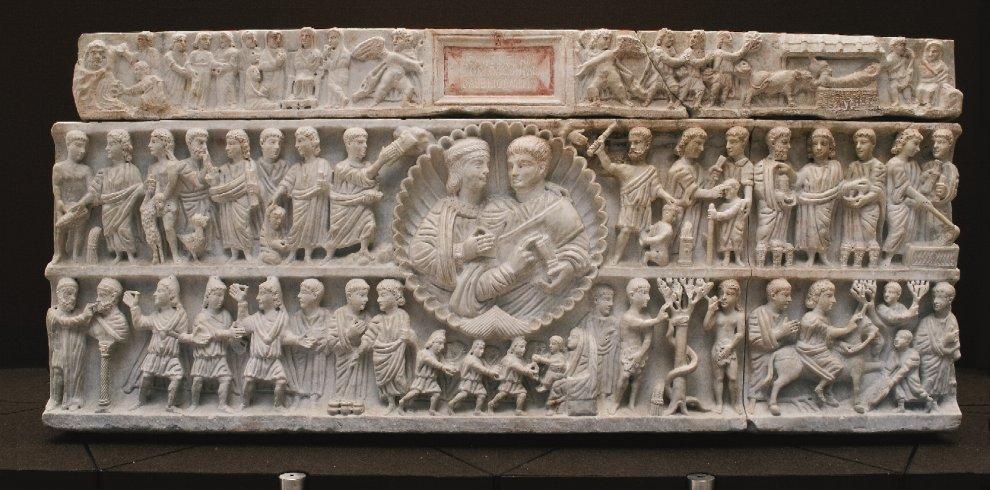 Il presepe più antico del mondo scolpito in un sarcofago di Siracusa