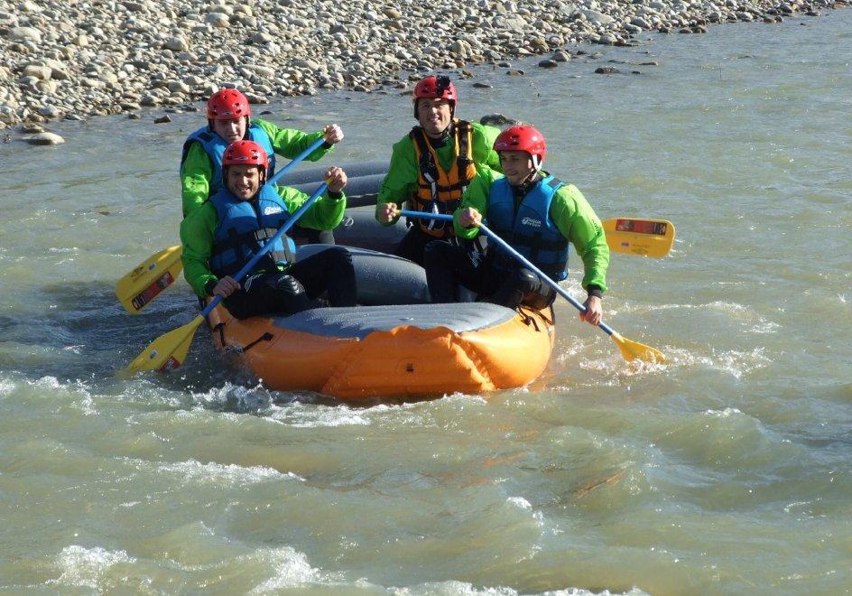 Emozioni e adrenalina per il rafting sul fiume Pollina