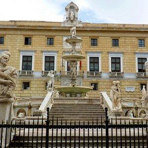 Buste paga gonfiate, il Comune di Palermo chiede maxi-risarcimento al Coime