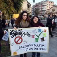 Palermo: flashmob al Politeama per chiedere una città pulita