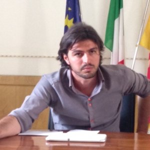 """""""Ti strappo il cuore"""": il sindaco di Bagheria denunciato da un cittadino che protestava"""