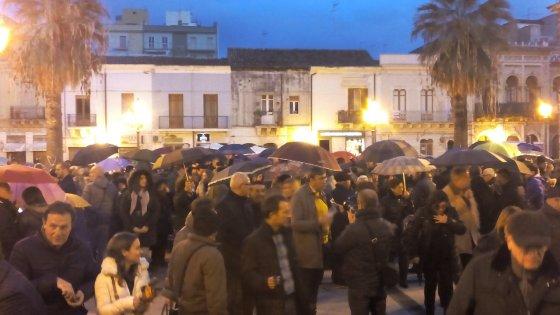 Augusta, la Curia chiede le dimissioni del prete che si batte contro le morti di tumore