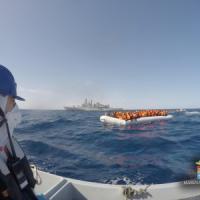 Migranti: soccorse 1500 persone, recuperati tre cadaveri