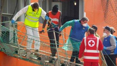Migranti, fermato scafista a Pozzallo: contestata morte ivoriano