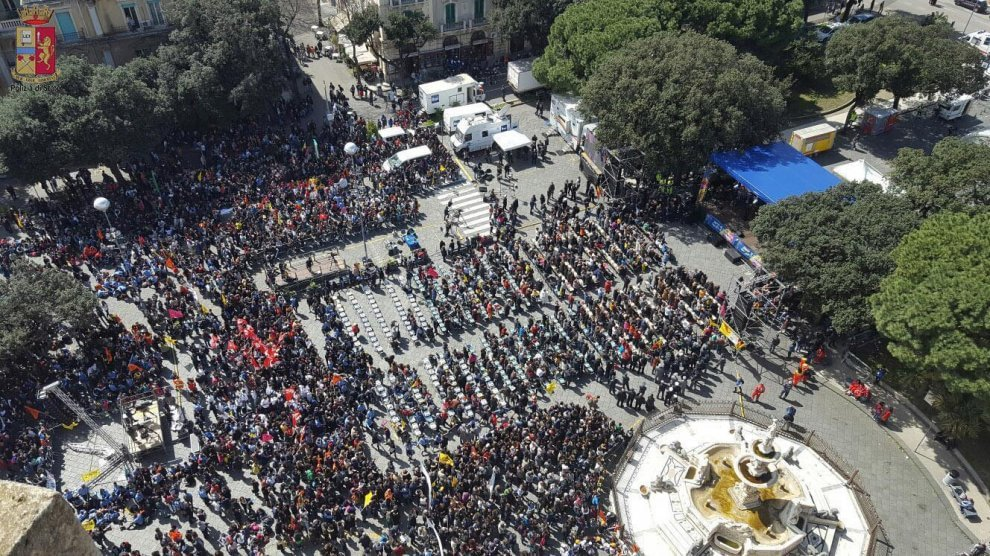 """Messina, la giornata di """"Libera"""" contro la mafia con don Ciotti"""