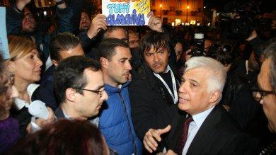 Crisi Almaviva, sit-in dei lavoratori alla prima del teatro Massimo