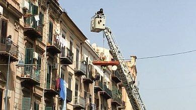 Palermo, uomo colpito da malore: imbracato e salvato dai vigili