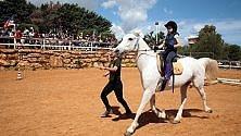 A Castellammare bambini a cavallo in nome dell'integrazione