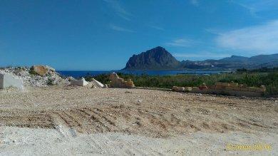 Trapani, abbattuta la segheria del marmo  ricompare il golfo del Monte Cofano  foto