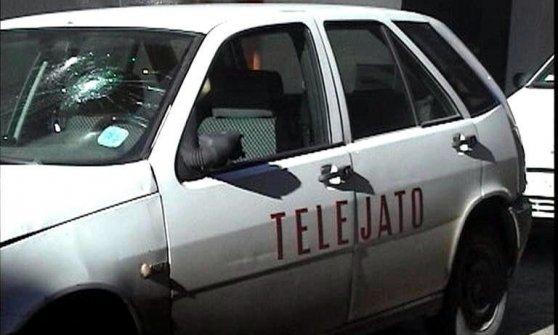 """""""Ha estorto soldi e favori a due sindaci"""". Divieto di soggiorno per Pino Maniaci, direttore della Tv antimafia"""