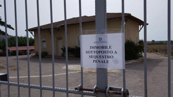 Licata, attentato al sindaco anti abusivismo: 40 amministratori in piazza, arriva Alfano