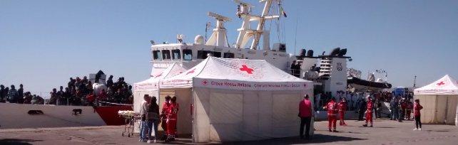 Sicilia, soccorsi mille migranti: sono quasi tutti siriani. Arrivano dalle coste egiziane