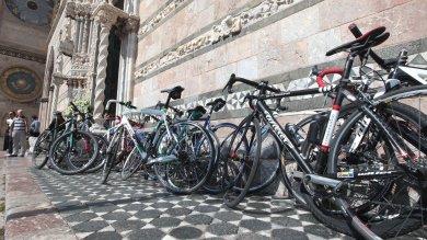 Messina: i funerali di Rosario Costa, la triste pedalata dei suoi compagni
