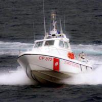 Migranti, duemila sbarcano tra Augusta e Trapani