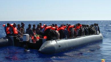 Migranti: tremila persone soccorse nel Canale di Sicilia