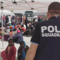 Barcone affondato, la strage dei bambini: sono annegati in quaranta
