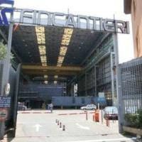 Crisi Fincantieri, le tute blu protestano davanti al Comune
