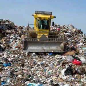 Emergenza rifiuti: raggiunto l'accordo, riaprono le discariche