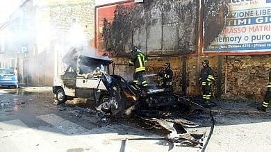 Bruciata la roulotte dei senzatetto, era la donazione di un benefattore