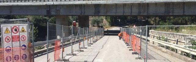 Cantieri interminabili sulle strade e treni lumaca: l'estate a ostacoli del turismo