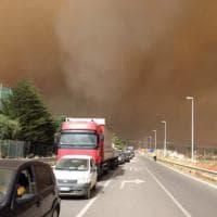 Scirocco e fiamme in provincia di Palermo: strade chiuse e case sgomberate