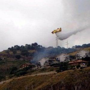 Emergenza incendi, l'ultimo piromane arrestato nel Palermitano era un operaio della forestale