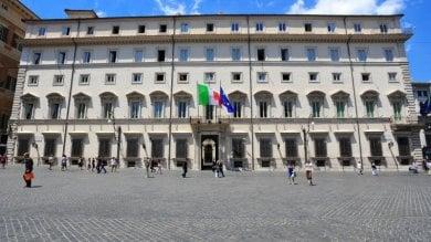 Roma sblocca 500 milioni per la Sicilia: soldi a Comuni, precari e riserve