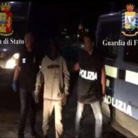 Soccorsi mille migranti in poche ore nel Canale di Sicilia, arrestato scafista