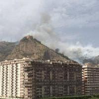 Palermo, dopo l'incendio riapre la strada di Monte Pellegrino