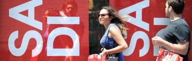Da oggi al via i saldi estivi in Sicilia corsa all'affare per una famiglia su tre