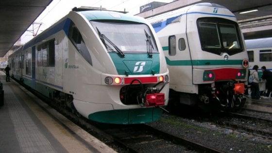 """Ferrovie, Federconsumatori: """"In Sicilia 300 chilometri chiusi per frane"""""""