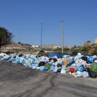 Porto Empedocle: montagne di rifiuti anche in spiaggia