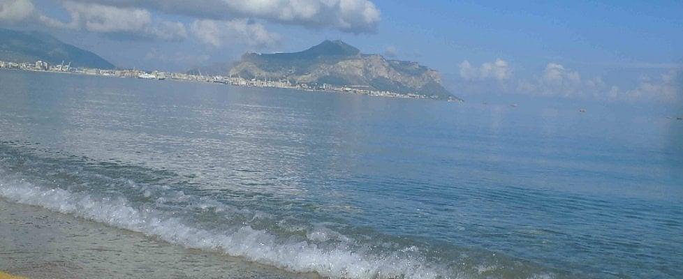 Palermo,  il mare di Romagnolo ora è pulito: sì alla balneazione dopo 48 anni