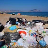 Faraone filma Palermo circondata dai rifiuti: