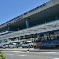 Palermo, in aeroporto tassista aggredisce autista di