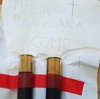 Busta con due proiettili alla Brandara: