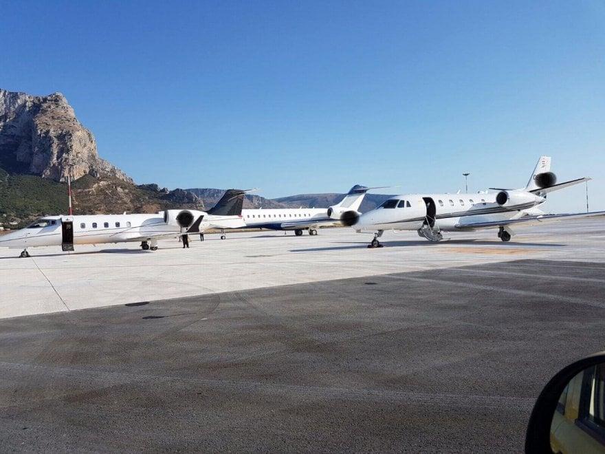 Jet Privato Aeroporto : Palermo in aeroporto i jet dei vip diretti al google camp