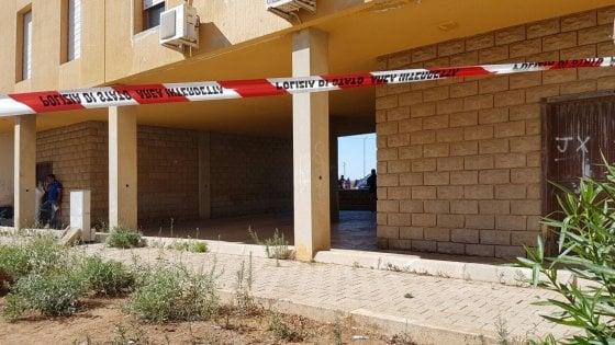 Mazara del Vallo: due conviventi uccisi a coltellate nell'androne del palazzo