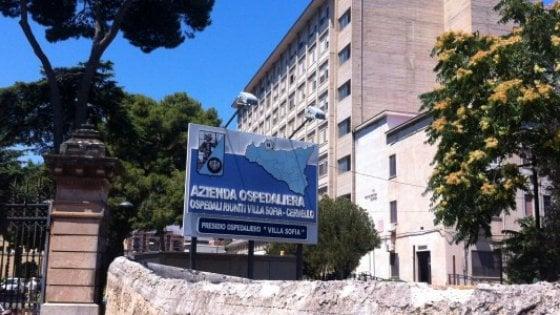 Palermo, muore in ospedale e le rubano le fedi