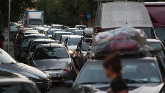 Porto di Palermo: il Comune chiude due varchi, caos in via Crispi