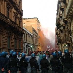 Catania, scontri fuori dalla Villa Bellini dopo il discorso di Renzi