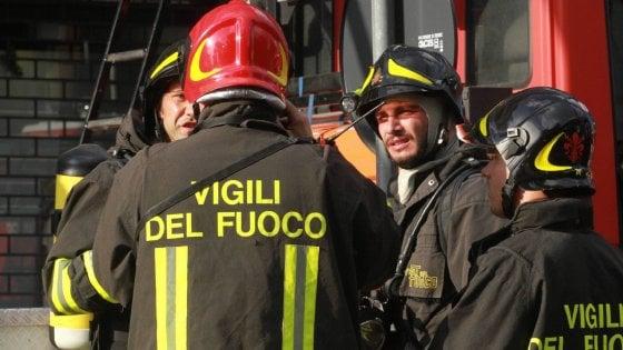 Palermo, bar incendiato nella notte in via Perez