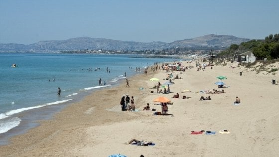 Agrigento, ordigno bellico sulla spiaggia di San Leone: stop alla balneazione